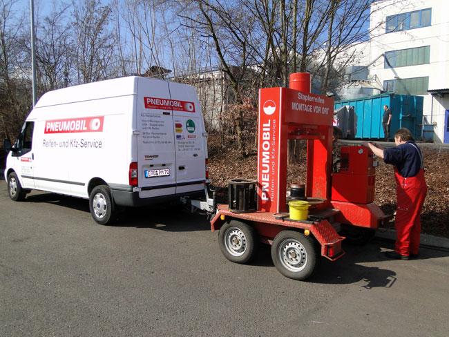 Mobile Reifenpresse